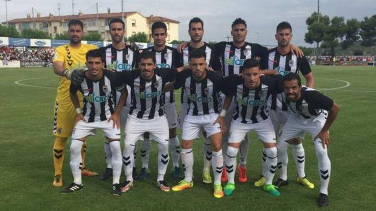 El Badajoz logra el ascenso y vuelve a Segunda B cinco años después http://www.abc.es/deportes/futbol/abci-badajoz-logra-ascenso-y-vuelve-segunda-cinco-anos-despues-201706252121_noticia.html