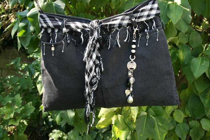 Umhängetaschen - Jeanstasche schwarz, Umhängetasche, Taschenbaumler - ein Designerstück von Angelas_Kreativwelt bei DaWanda