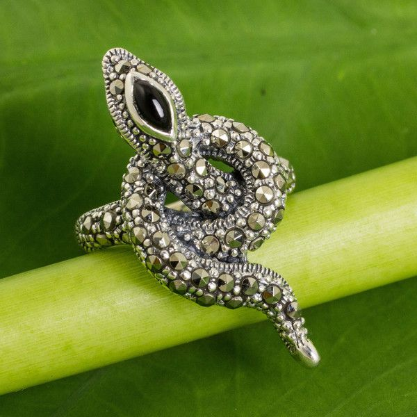 NOVICA Silver Snake Cocktail Ring with Marcasite, Garnet and Onyx ($65) ❤ liked on Polyvore featuring jewelry, rings, cocktail, garnet, cabochon ring, silver marcasite rings, garnet ring, marcasite ring и silver onyx ring