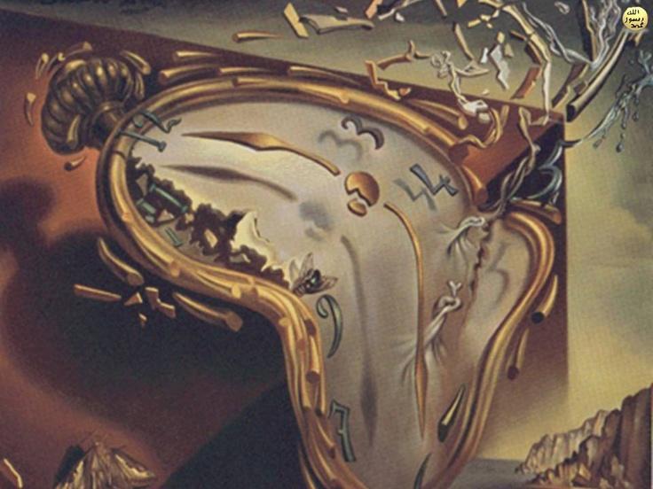 Zamanın izafi oluşu, saatlerin yavaşlaması veya hızlanmasından değil; tüm maddesel sistemin atom altı seviyesindeki parçacıklara kadar farklı hızlarda çalışmasından ileri gelir. Zamanın kısaldığı böyle bir ortamda insan vücudundaki kalp atışları, hücre bölünmesi, beyin faaliyetleri gibi işlemler daha ağır işlemektedir. Kişi zamanın yavaşlamasını hiç fark etmeden günlük yaşamını sürdürür.