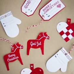 Christmas gift tags, free to download. In English and Swedish. Links to loads of other tags to download and print.