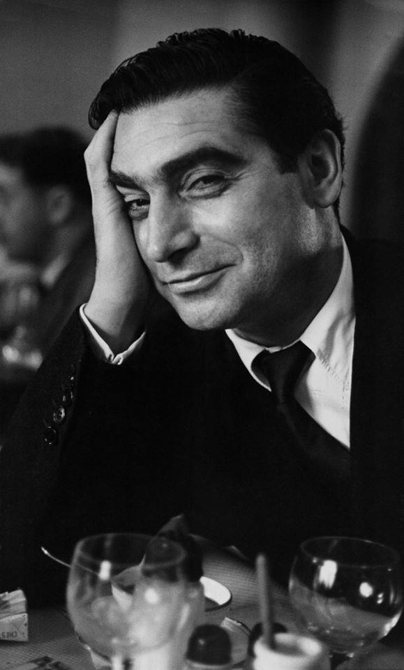 """Robert Capa, azaz Friedmann Endre Ernő  (Budapest, 1913. október 22– Indokína,1954.május 25.)  """"Nem elég ha tehetséges vagy, magyarnak is kell lenni.""""  """"It's not enough to have talent, you also have to be Hungarian."""""""