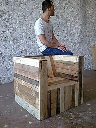 #pallet chair  This would be great on the patio with brightly colored cushions and pillows. Sofa size would be even better!