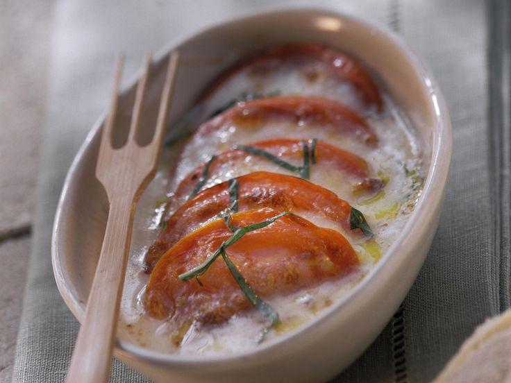 So einfach und lecker lässt sich auf Kohlenhydrate verzichten! Tomaten-Mozzarella-Auflauf - smarter - Zeit: 30 Min. | eatsmarter.de