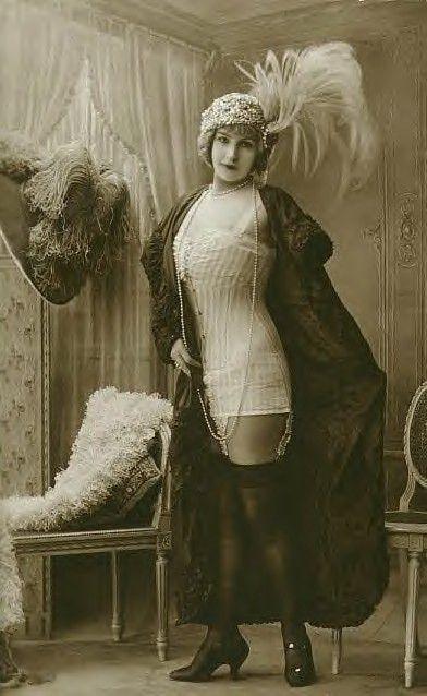 Victorian Era Whorehouses  Risque Edwardian Lady -5381