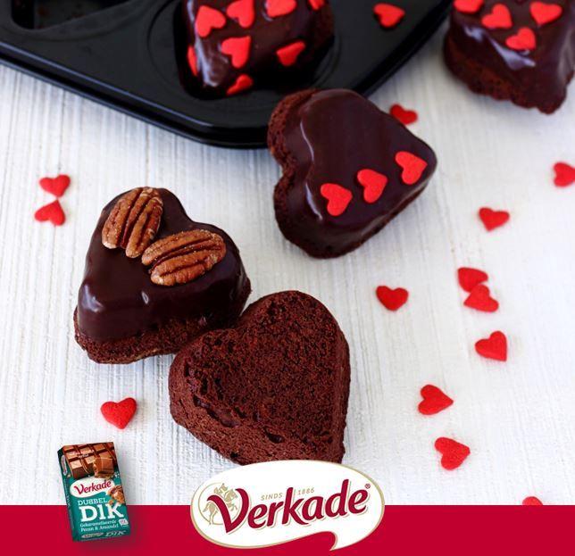 De lekkerste recepten vindt je gewoon bij Verkade! Bekijk hier hoe je heerlijke chocoladefondue klaarzet of lekkere brownies maakt.