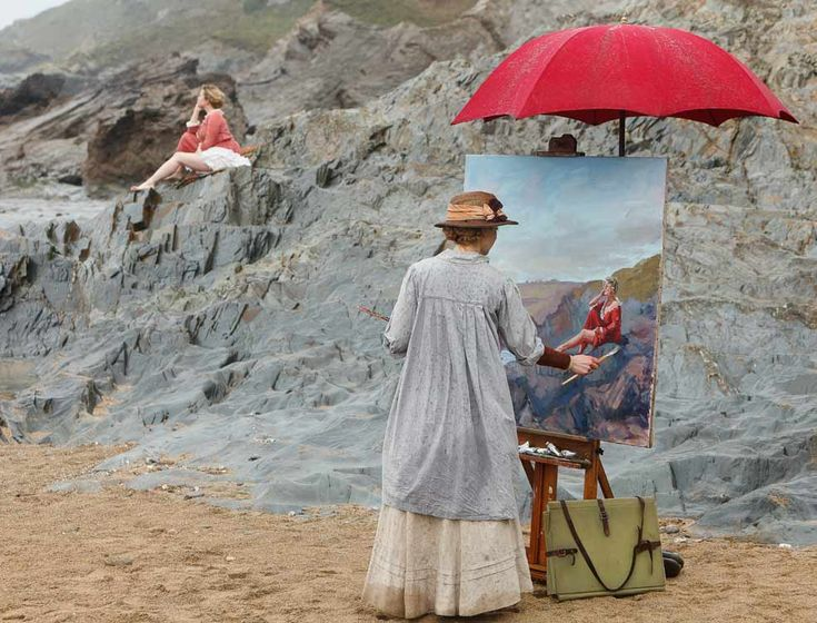 'SUMMER IN FEBRUARY' (2013): Dame Laura Knight (played by Hattie Morahan) painting on the beach.