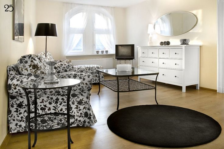 http://www.apartamenty-pomaranczarnia.pl/img/galeria/2/12-25/06.jpg
