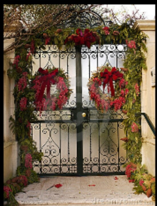 31 Best Christmas Decorations On Fences Images On Pinterest Christmas