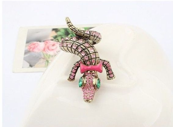New crocodile bowknot ring #crocodile #ring #bowknot #jewelry #makabelleshop at www.makabelle.com