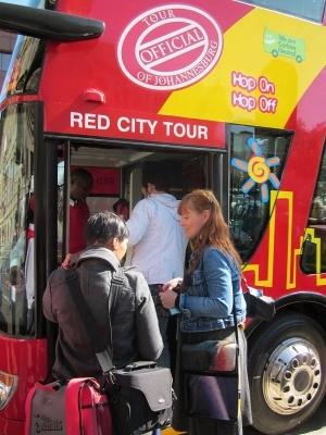 Seeing the city sights via Gauteng's first hop-on hop-off bus – Blog – Gauteng Tourism Authority