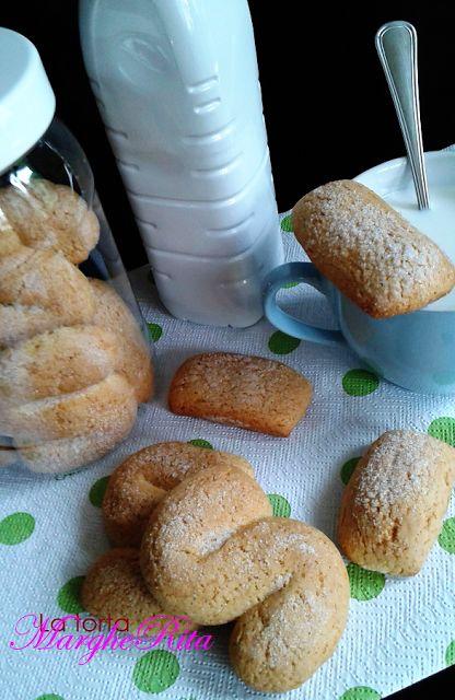 Biscottoni al miele bio ,yogurt e olio extravergine d'oliva