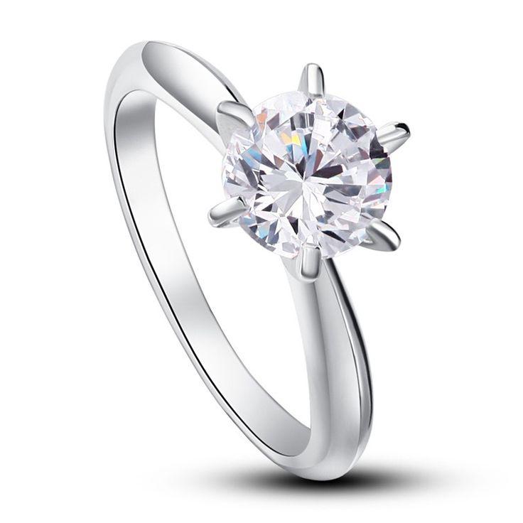 Inel Solitaire Lux Simulated Diamond Argint 925 http://www.borealy.ro/bijuterii/inele/placate-cu-aur-galben/inel-solitaire-lux-simulated-diamond-argint-925.html