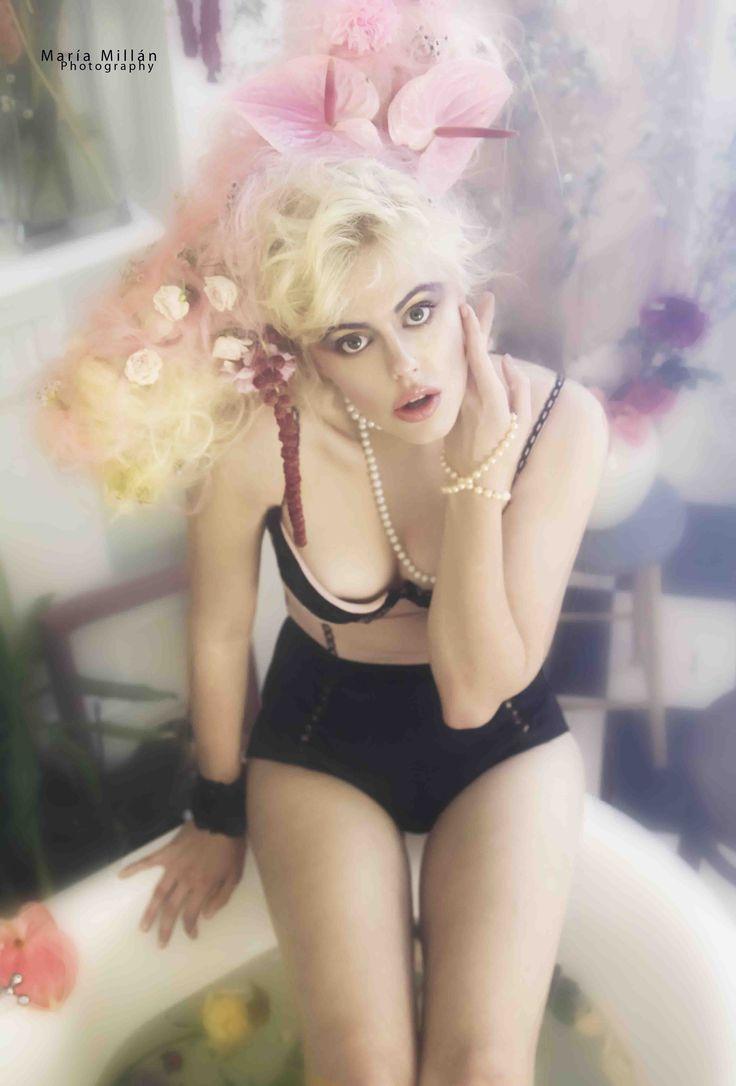 #Sexy #girl #underwear #bath #flowers #headpiece #bath #steamy #MariaMillan #Fashion #Photography. www.mariamillan.com
