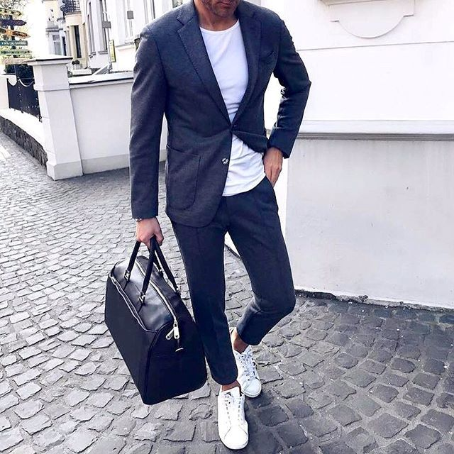 Are you ready for the weekend? ➡️@mens.fashiononline