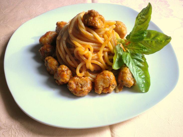 spaghettoni con polpettine di pesce spada