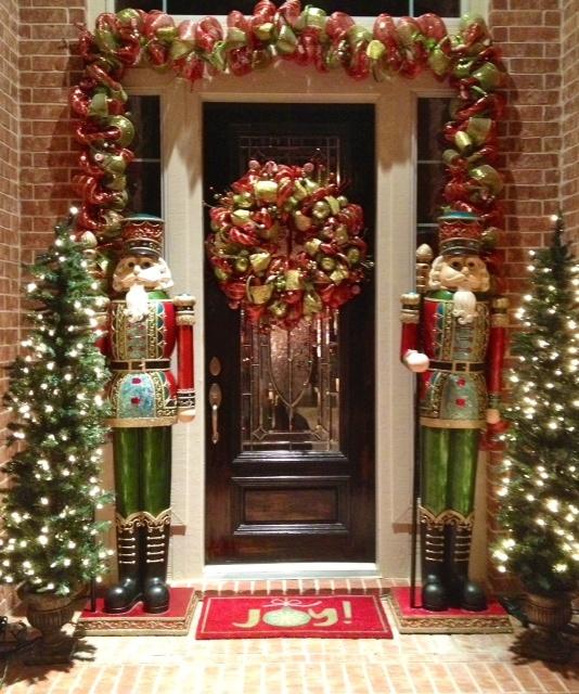 Pinterest Christmas Porch Decorations: 1000+ Ideas About Christmas Front Doors On Pinterest