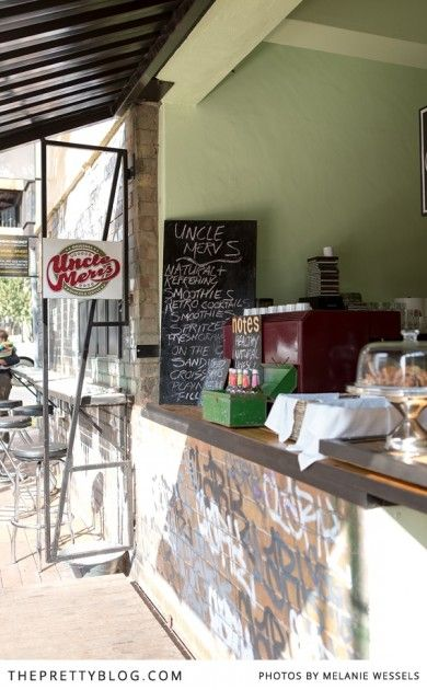 Cafe next to the side walk in Maboneng Johannesburg | Photographer: Melanie Wessels |