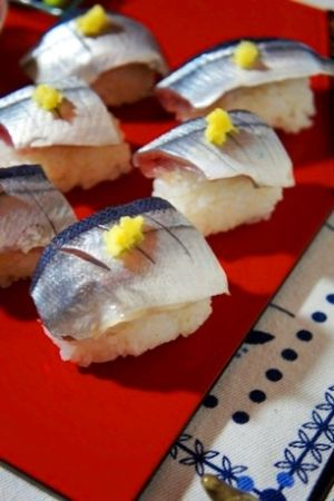 """NIGIRI-SUSHI(Brevoort)"" - japanese recipe/秋刀魚の握り寿司"