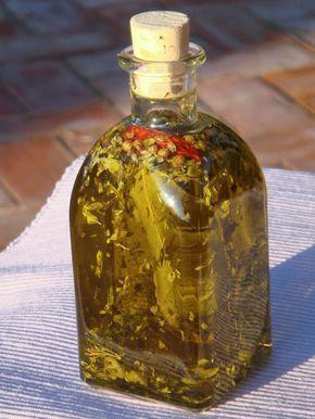 Φτιάξτε λάδι με σκόρδο, δελνδρολίβανο και τσίλι