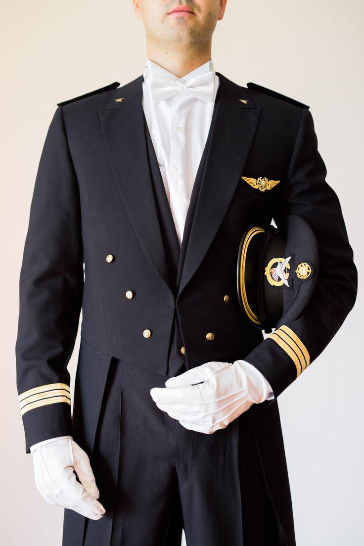 O traje do noivo num casamento militar! #casamentomilitar #noivo #trajenoivo