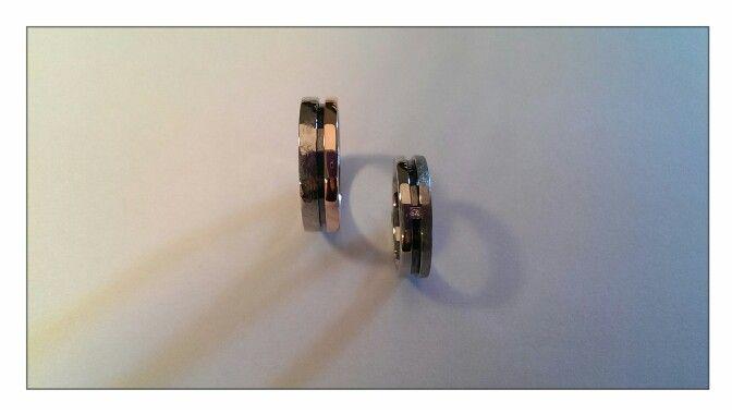 Hamerslag, zwart rhodium, carre geslepen diamant, witgoud palladium 14 krt