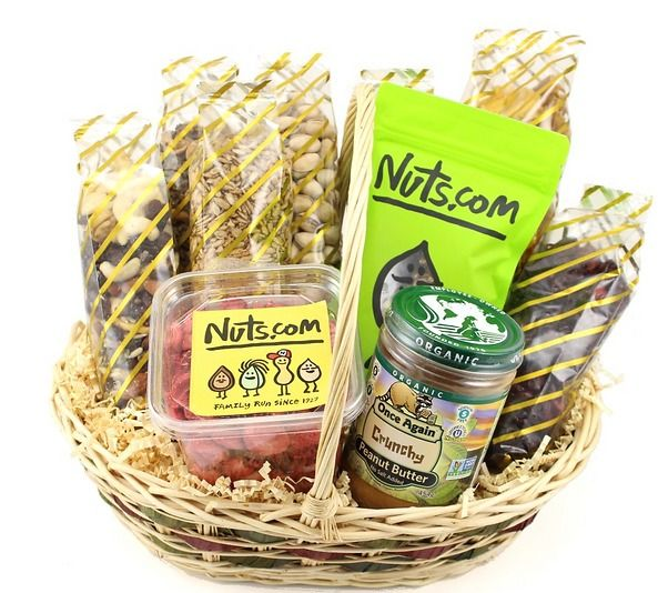Give a gift of organic goodness - This gourmet gift basket is bursting with ten 100% organic snacks and treats. #holidaygifts