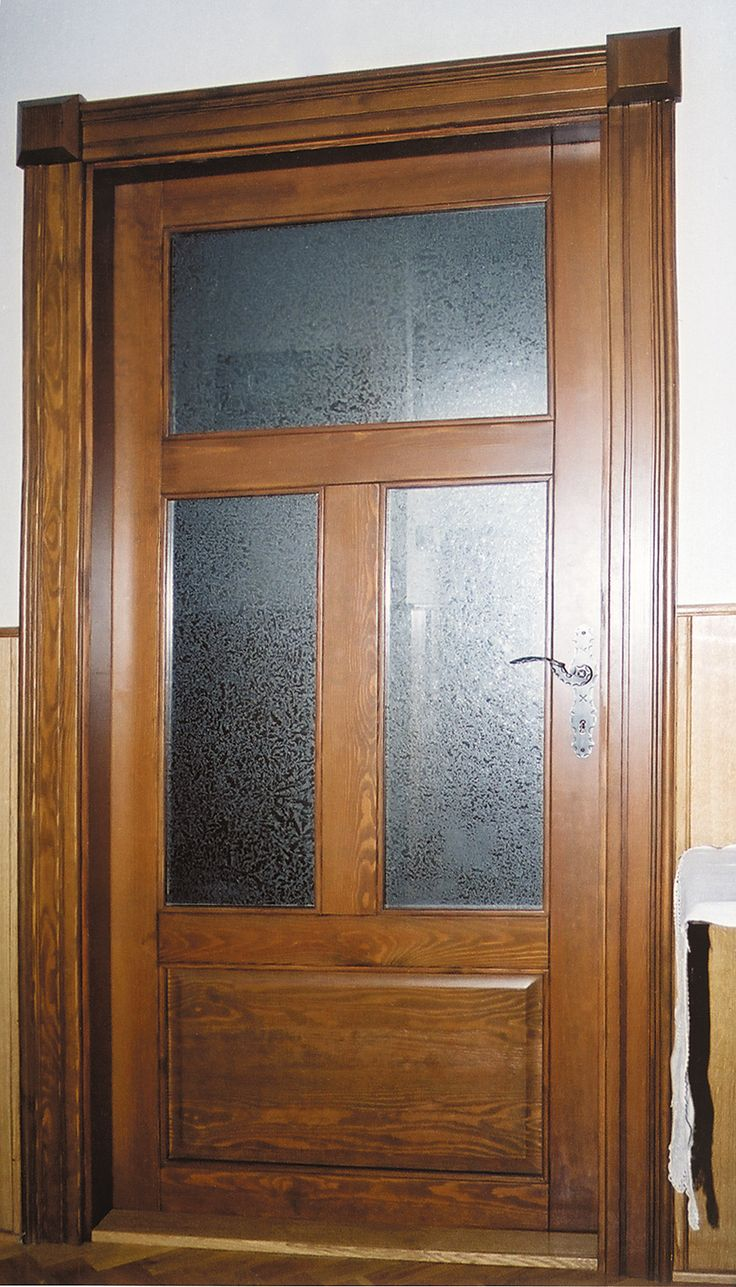 tömörfa rusztikus beltéri ajtó, egyedi borítással