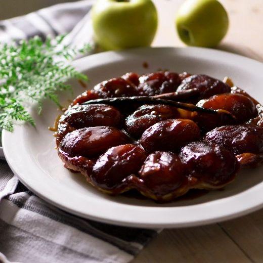 Рецепт - Яблочный тарт татен и пошаговый рецепт быстрого слоеного теста