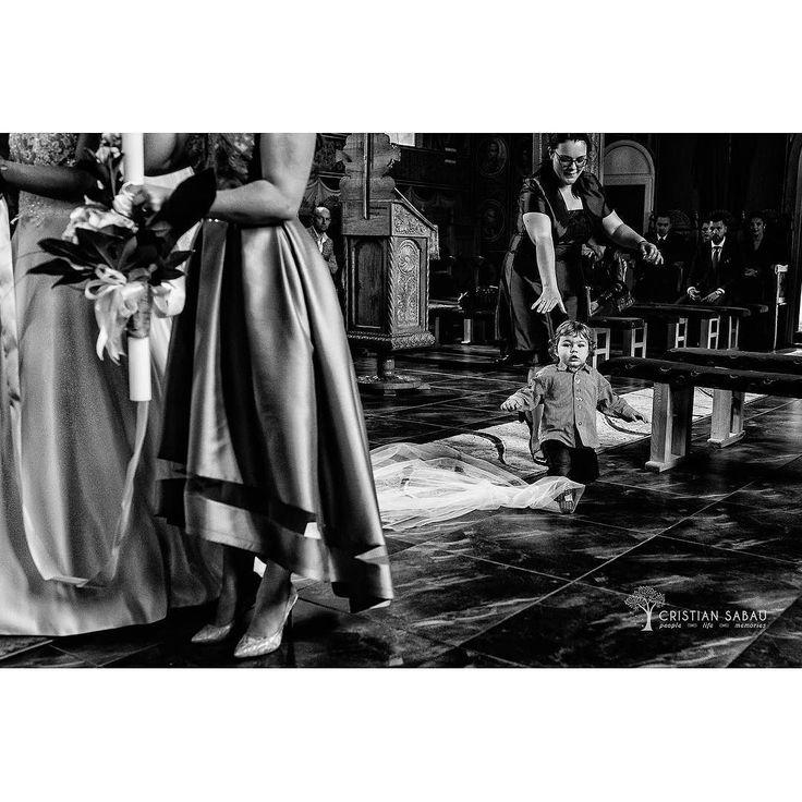 Meanwhile At Ceremony   www.cristians.ro . . #weddingday #weddingceremony #instawed #destinationweddingphotographer #romaniawedding #Transylvania #Romania #nikon #d750 #nikond750 #bride #pin #citadel #creative #aotss #thesecondshot #ig_romania #cathedral #slipaway #blackandwhiteisworththefight #kidsarealwayskids #luncabradului #valeamuresului #ig_romania #funnyweddingmoments