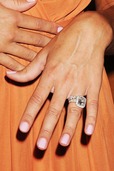 Danielle Jonas's engagement and wedding ring ... PERFECT!!