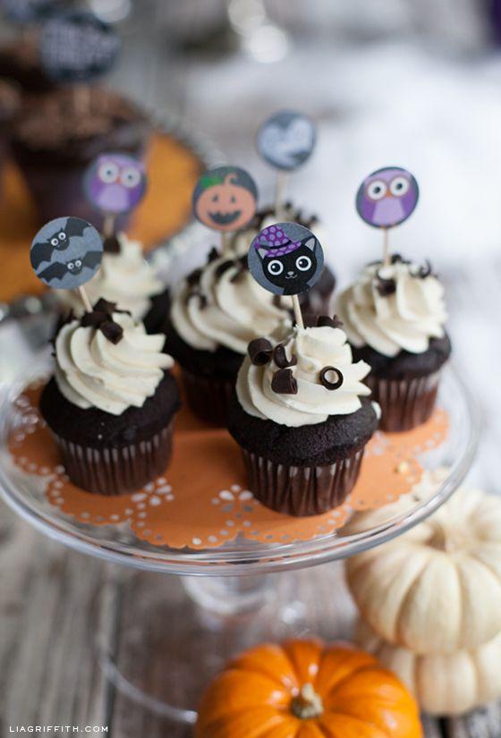 1155 best halloween images on pinterest halloween prop for Halloween cupcake decorating ideas