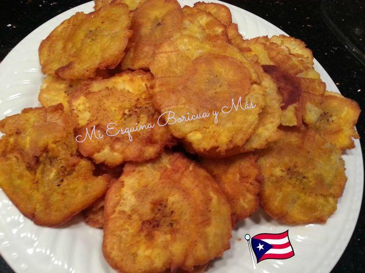 Tostones (Fried plantains) Ingredientes: 4 plátanos grandes, verdes (machos), pelados y cortados en ruedas o diagonalmente como de...