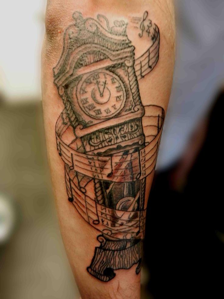 Hickory Dickory Dock clock tattoo