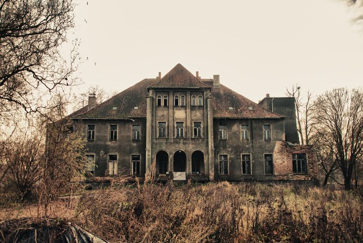 the former mansion by Jeffrey Prüfert 04.12.2011