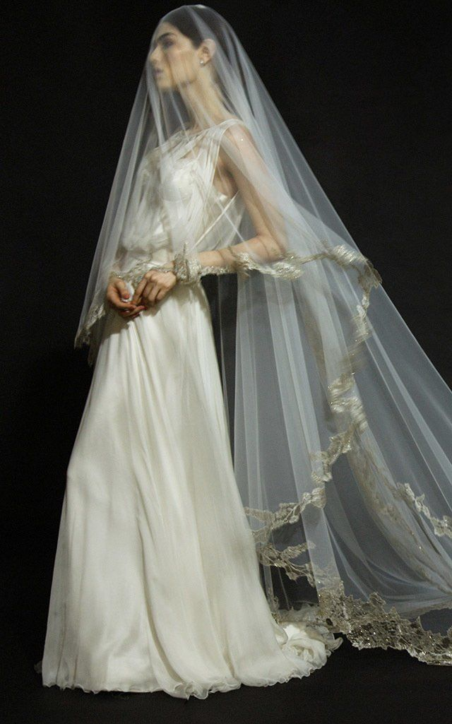Maddalena Metallic Lace Veil by Monvieve