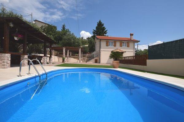 Villa Oliva  Prachtige villa nabij Opatija 800m van de zee met privé zwembad en grill  EUR 1444.88  Meer informatie  #vakantie http://vakantienaar.eu - http://facebook.com/vakantienaar.eu - https://start.me/p/VRobeo/vakantie-pagina