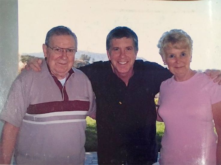 DWTS Host Tom Bergeron Mourns Mom's Death Just Months After Losing His Dad: 'They Never Did Like Being Apart' http://www.people.com/article/tom-bergeron-mom-dies-months-after-dad