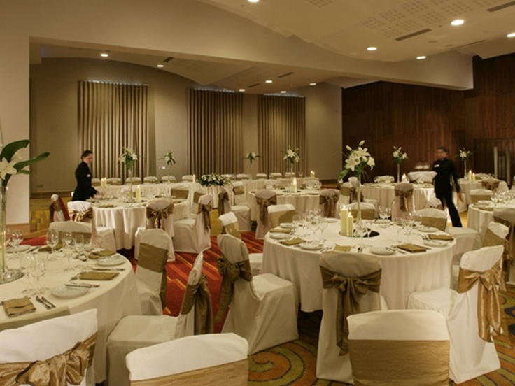 Pillo Hotel Ashbourne  Ashbourne, Meath This four star luxury hotel is only 20 minutes from Dublin. A blend of modern style and old-fashioned hospitality, staff is on hand to create a customized wedding package. #weddinghotelsinmeath