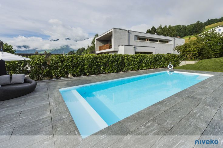 NIVEKO Skimmer Top Level» niveko-pools.com #lifestyle #design #health #summer #relaxation #architecture #pooldesign #gardendesign #pool #swimmingpool #pools #swimmingpools #niveko #nivekopools