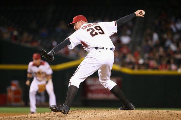 Boston continua a muoversi sul mercato: arriva Brad Ziegler I Boston #RedSox continuano ad anticipare tutte le altre squadre sul mercato. Da Phoenix è appena arrivato il closer Brad #Ziegler. Su MLB Italia