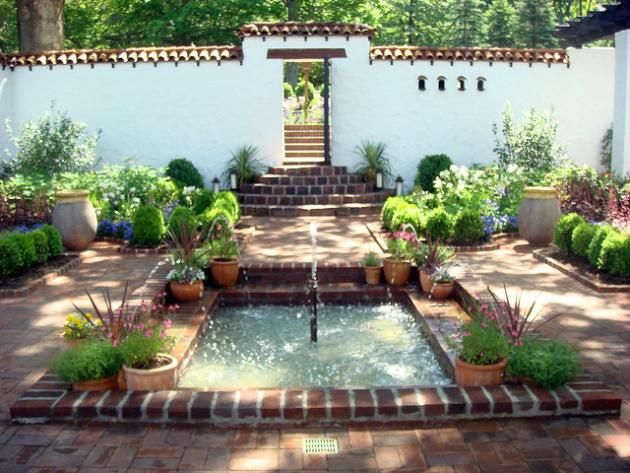 spanish house courtyard landscape