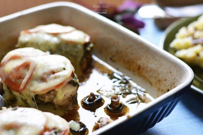 Carne de pui suculenta si ciuperci la cuptor
