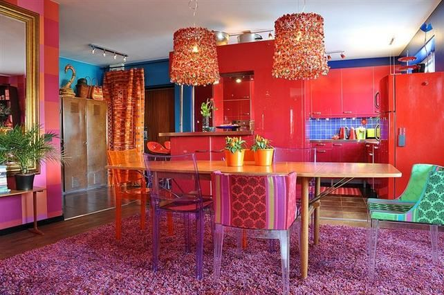 Apartment with bold colors everywhere - not an easy sell