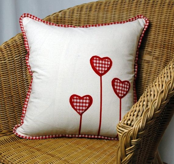 Red Plaid Heart Cream Traditional Oganic Buldan