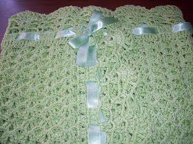 Les presento esta mantilla tejida en crochet en tono verde manzana claro. Espero les guste!!!