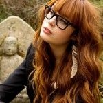 Esta temporada, los cortes de pelo en capas haber vuelto a la tendencia para las mujeres. La forma más fácil de darle un aspecto atractivo a su cabello largo es el estilo con capas cortas. Para una mirada más afilada, trate de capas entrecortadas con puntas muy afiladas en lugar. Si usted está buscando un …
