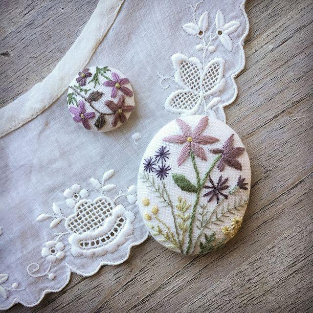 寒い国の人たちが、春を待ちわびながら色鮮やかな花の刺繍をする気持ち。とてもよくわかる今日の寒さです。 #刺繍 #刺しゅう #atelierdenora #ハンドメイド #手仕事 #needlework #embroidery
