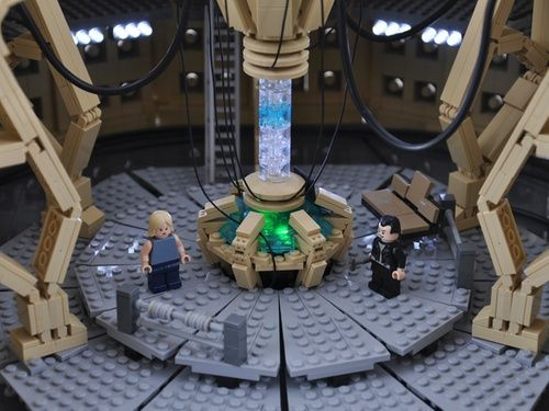 Cool! -   TARDIS Console Room: A LEGO® creation by Mr. Xenomurphy : MOCpages.com