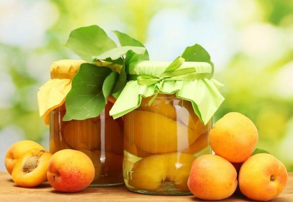 Cómo hacer duraznos en almíbar. Los duraznos en almíbar son una de las alternativas más deliciosas y populares para conservar esta fruta y disfrutar así de su sabor todo el año. Esta preparación resulta muy sencilla, siendo una gran...